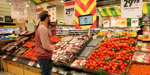 Testing Tobii Pro Glasses 2 in retail environment.