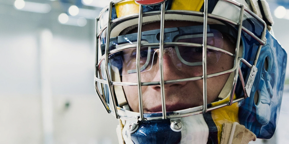 Tobii Pro Glasses2 Helmet edition is used for the goalkeeper training in ice hockey